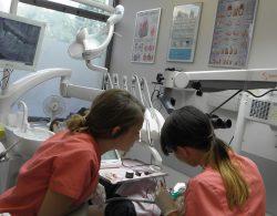 leczenie zebow podmikroskopem